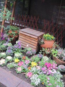 冬支度された花壇