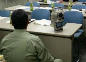 土壌調査測量講習会での一コマ